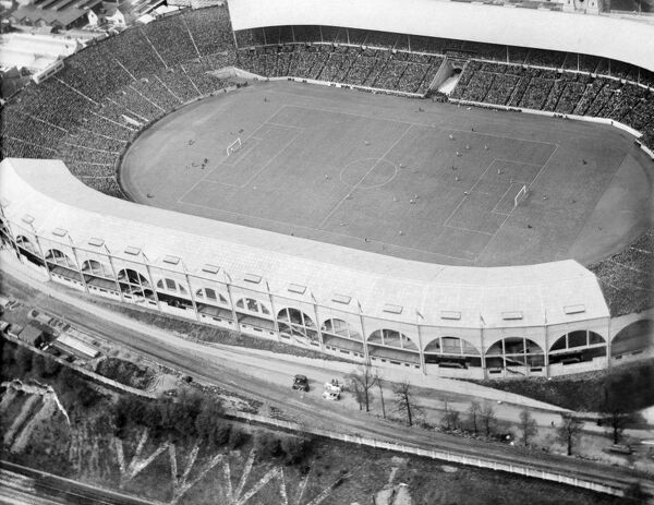 WEMBLEY STADIUM, Middlesex, London. The 1925 FA Cup Final in progress between Sheffield United and Cardiff City. Sheffield United won 1-0 in a match attended by 91,763. Photographed on 25th April 1925. Aerofilms Collection (see Links)