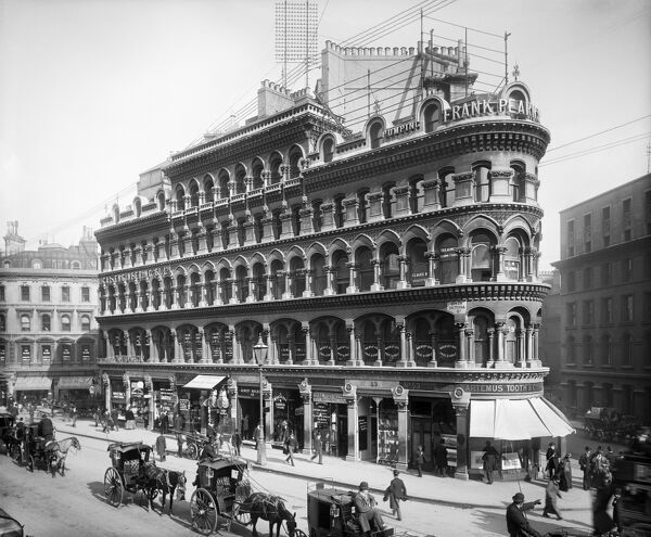 ALBERT BUILDINGS, 49 Queen Victoria Street, City of London. Photographed by Bedford Lemere for City and West End Properties Ltd in May 1899