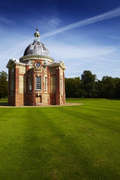 WREST PARK HOUSE AND GARDENS, Silsoe, Bedfordshire. The Thomas Archer Pavilion built in a Baroque design in 1709-11
