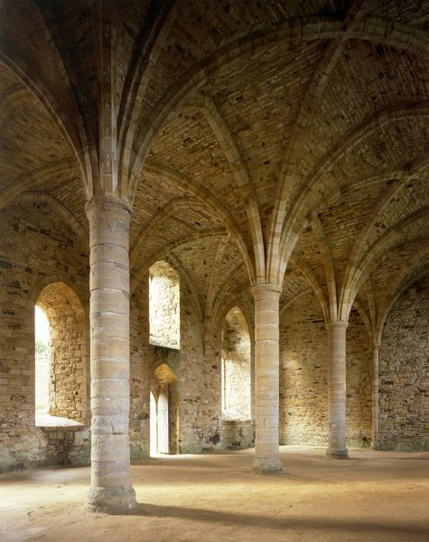 BATTLE ABBEY, East Sussex. Interior view. The 13th Century vaulted Novices Chamber underneath the south end of the monk dormitory
