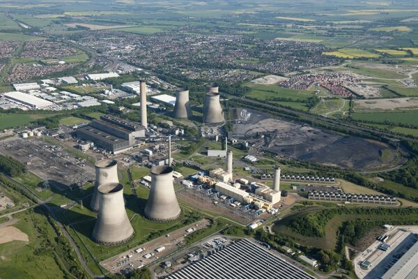 Didcot Power Station, Oxfordshire. Aerial view from June 2013, after decomissioning. SU5191/9