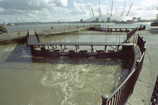 Lock with Millenium Dome in Background. IoE 441617
