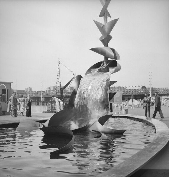 Festival of Britain, South Bank, Lambeth, London. Richard Huws's sculpture 'Water Mobile' on the South Bank Exhibition site during the Festival of Britain. Photographed by M W Parry in 1951
