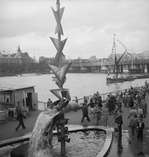 Festival of Britain, South Bank, Lambeth, London. Richard Huw's mobile water sculpture exhibited on the South Bank Exhibition site during the Festival of Britain. Photographed by M W Parry in 1951