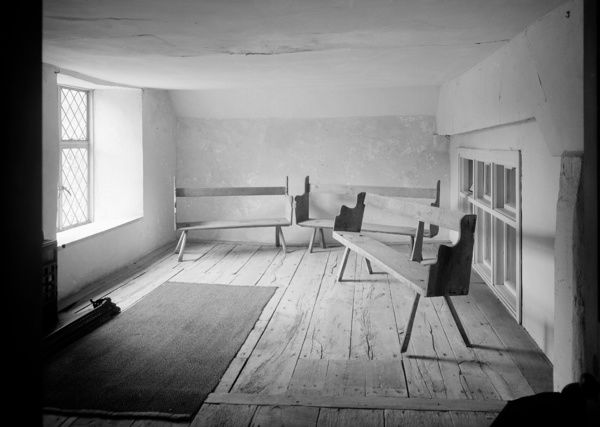Friends Meeting House, Chestnut Hill, Nailsworth, Gloucestershire. Interior of a room in the Friends' Meeting House. Photographed in 1957 by Herbert Felton