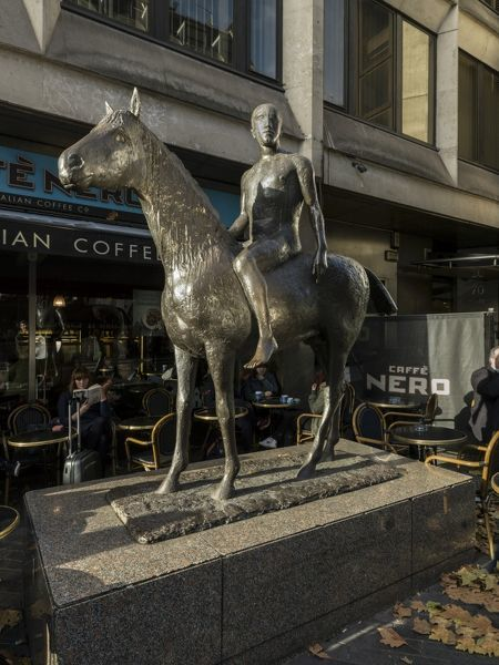 "Dover Street and Piccadilly, Mayfair, London. Elisabeth Frink sculpture ""Horse and Rider"" from south east. Photographed by Chris Redgrave in 2015"