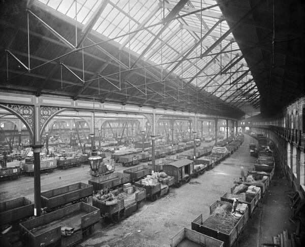 Forth Banks Goods Station, Pottery Lane, Newcastle Upon Tyne. Interior view of the goods shed designed by architect William Bell for the North Eastern Railway Company. Photographed in 1893 by Henry Bedford Lemere