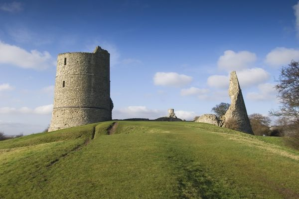 HADLEIGH CASTLE, Essex. North east and south east towers, view from the east