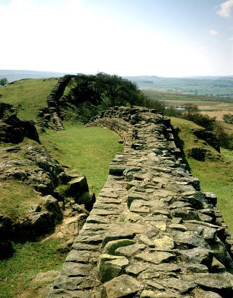 HADRIAN'S WALL, Northumberland. Walltown Craggs looking west along the wall. hadrian