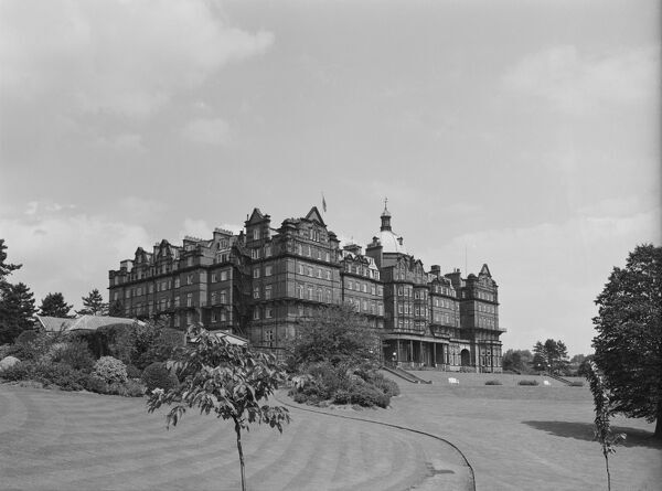 Hotel Majestic, Springfield Avenue, Harrogate, North Yorkshire. The south front viewed from the grounds to the south west. Photographed by Herbert Felton in 1960