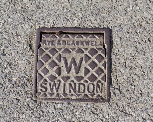 Swindon, Wiltshire. A water stop tap cover plate made by Rye and Blackwell, Swindon