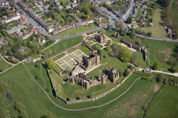 KENILWORTH CASTLE, Warwickshire. Aerial view from the south west of the castle and Elizabethan Garden