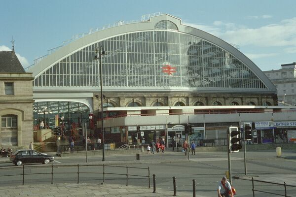 Main entrance to Liverpool Lime Street, one of the first stations to send mail by train. IoE 359020
