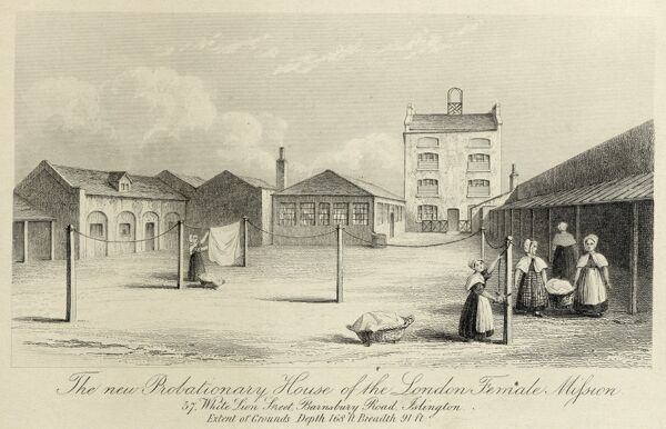 Probationary House Of The London Female Mission, 57 White Lion Street, Islington, London. An engraving showing women hanging washing on the line in the courtyard at the rear, circa 1836. Engraving from the Mayson Beeton Collection