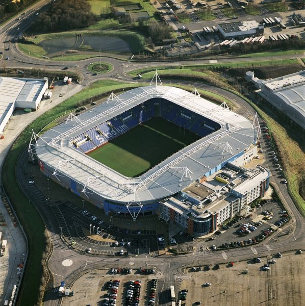 MADEJSKI STADIUM, Reading. Aerial view of the home of Reading Football Club since 1998. Photographed in 2002. The Royals under Alan Pardew finished as runners-up in Division Two in season 2001-02 to gain promotion to the second tier of English football