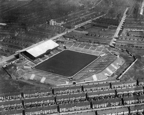 MAINE ROAD, Manchester. Aerial view of the home of Manchester City Football Club. Photographed in 1923 just after the club first moved to Maine Road. Aerofilms Collection