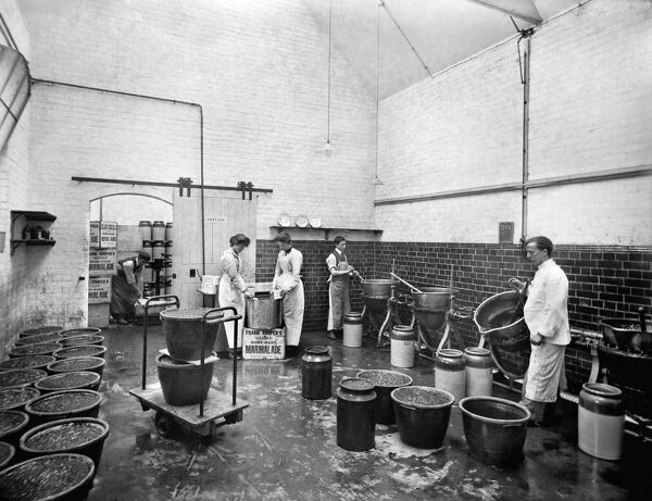 Male and female workers at Cooper's Marmalade Factory, Oxford, Oxfordshire. Henry Taunt 1902