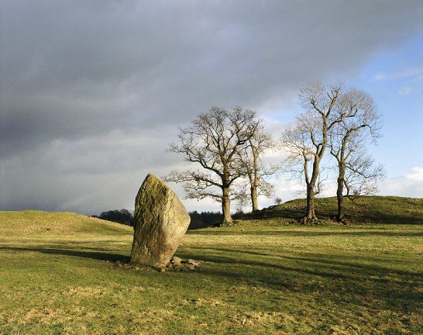 MAYBURGH HENGE, Cumbria. View of the standing stone located in the middle of the henge