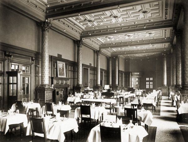 NATIONAL LIBERAL CLUB, Whitehall Place, Westminster, London. Interior view of the Dining Room at the National Liberal Club. The Club was built in 1884-1887 to designs by the architect Alfred Waterhouse. The image is one of a set commissioned by the club