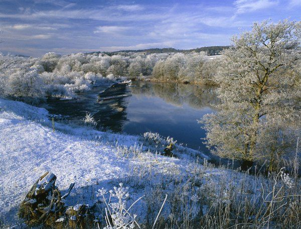 NORTH TYNE RIVER, Chollerford, Northumberland. Snow view of river in landscape