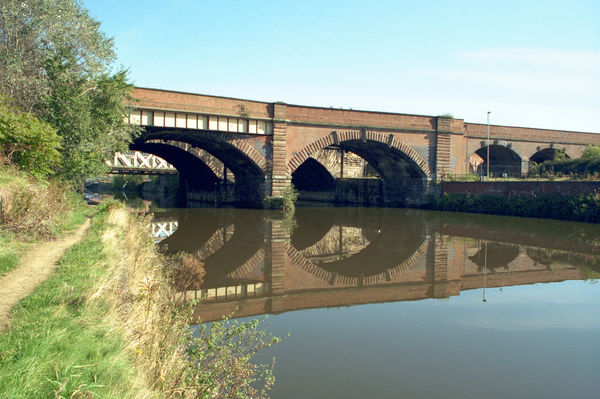 Viaduct Over River Irwell, Salford, Greater Manchester. IoE 471614