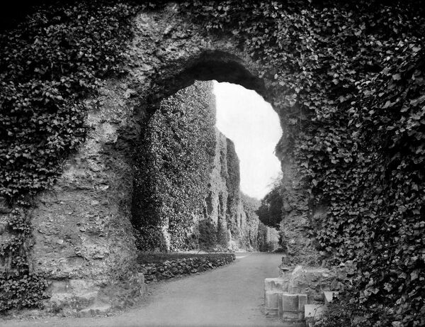 READING ABBEY, Reading Abbey, Berkshire. The ruins of the entrance to the east cloister looking south. The Abbey was founded by King Henry I in 1121. It became a royal palace of King Henry VIII after the dissolution of the monasteries in 1537