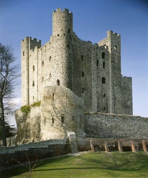 ROCHESTER CASTLE, Kent. View towards the Norman tower-keep, built c.1127 by William of Corbeil, Archbishop of Canterbury, with the encouragement of Henry I