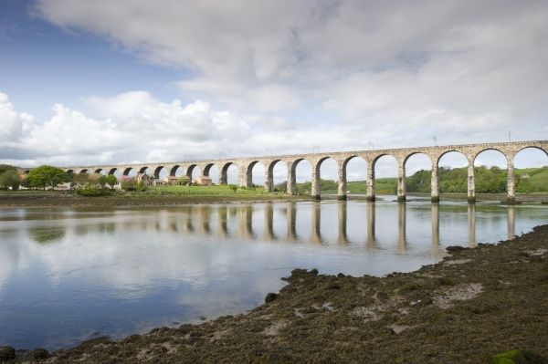 BERWICK-UPON-TWEED, Northumberland. View of the Royal Border Bridge which crosses to Tweedmouth. Engineered by Robert Stephenson