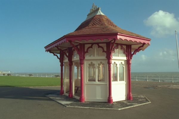 Late C19 Shelter, Bexhill-On-Sea, East Sussex. IoE 292007