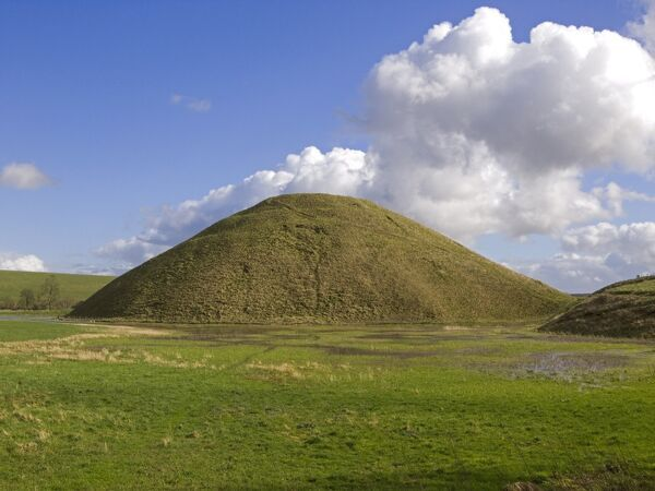 SILBURY HILL, Avebury, Wiltshire. View taken from the information board to the west
