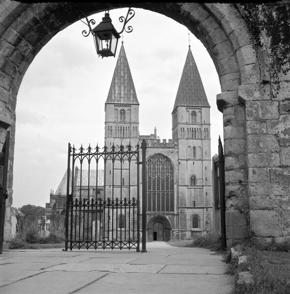 Southwell Minster, Nottinghamshire. The west front of St Mary the Virgin Minster as seen from the gateway
