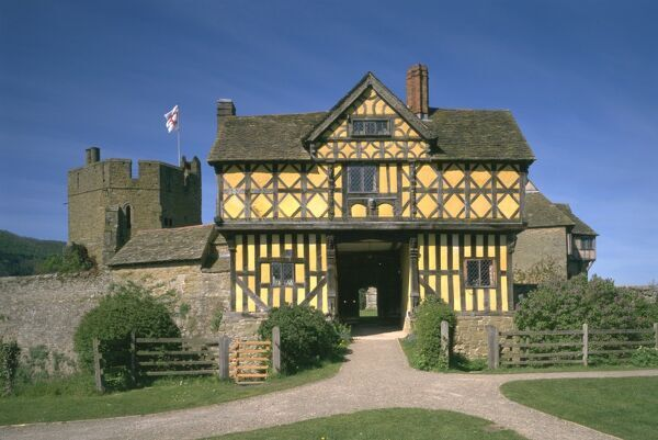 STOKESAY CASTLE, Shropshire. The gatehouse with the medieval buildings beyond
