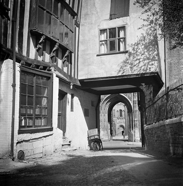 tombland alley norwich aa98_07528