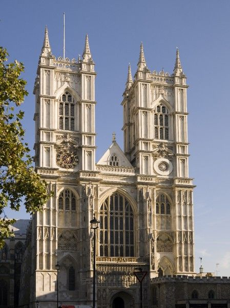 WESTMINSTER ABBEY, London. View of the west front to Westminster Abbey