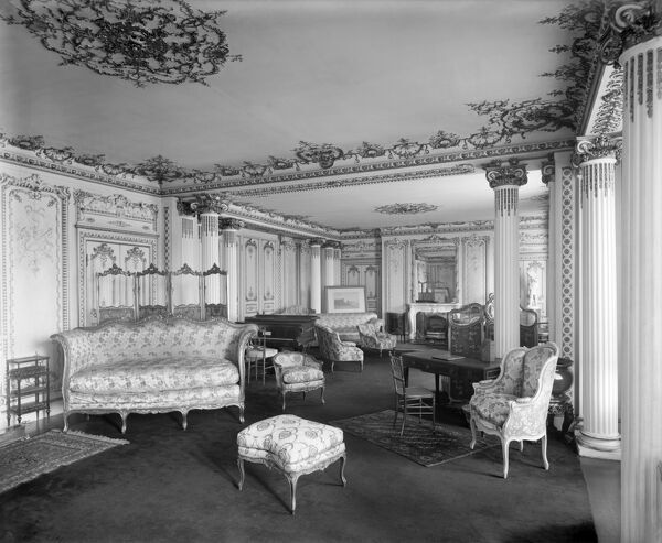 WITLEY COURT, Worcestershire. Interior view c.1920. The Drawing Room. Photographed by Bedford Lemere