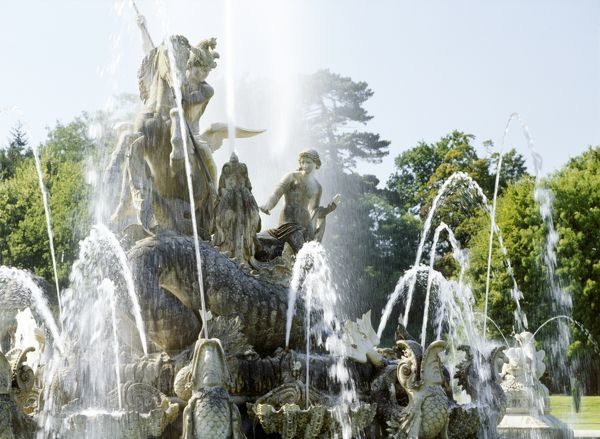 WITLEY COURT AND GARDENS, Worcestershire. View of the Perseus and Andromeda fountain