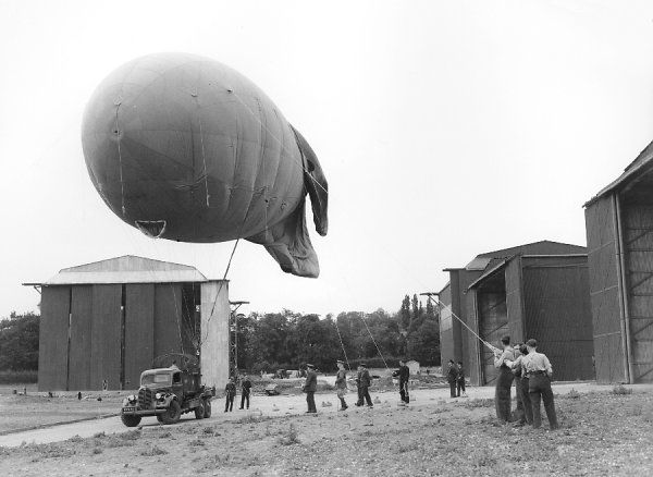 Earl of Athlone inspecting 907 (Balloon) Squadron, Stanmore, 1939