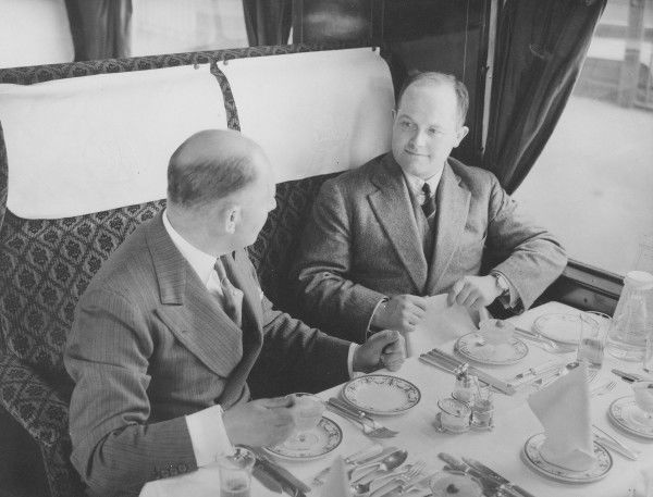 Breakfast on a Southern Railway service in the 1930s
