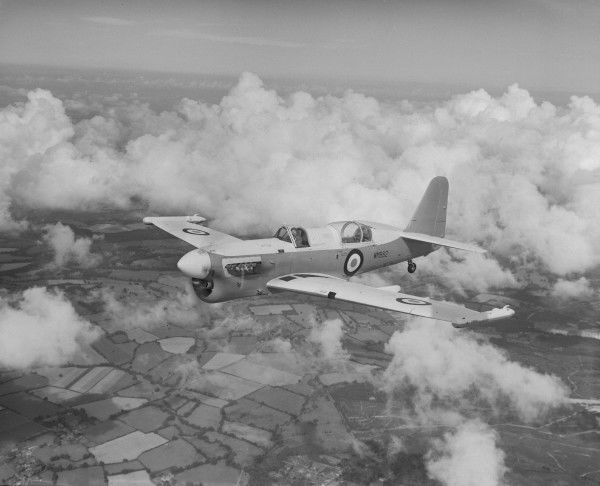 Fairey Firefly U.8 (WM882) in flight 1954