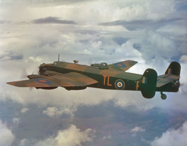 Handley Page Halifax II of 35 Squadron RAF, 1942
