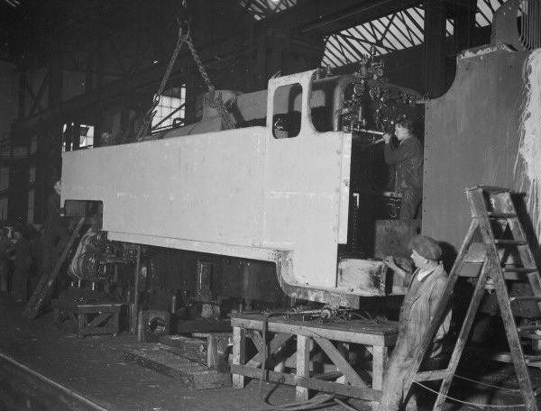 Construction of a Southern Railway Class W 2-6-4T locomotive at Eastleigh Locomotive Works