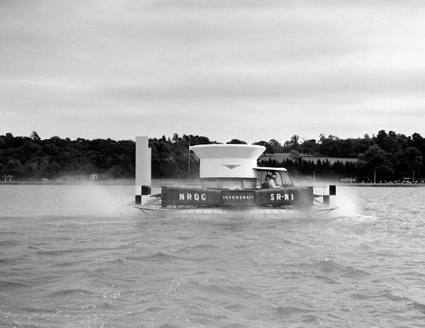 Saro SR-N1 prototype hovercraft, Cowes, 11 July 1959