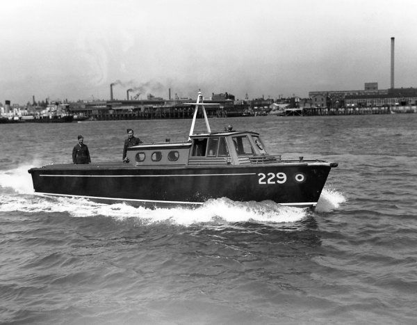 37.5' Seaplane Tender Mk.I (229) of the Royal Air Force, Gosport 1938