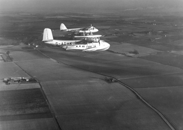 Short S.20 Maia and Short S.21 Mercury in flight near Rochester, 1938