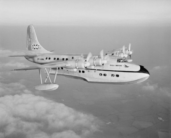 Short Solent 4 (ZK-AMN) of Tasman Empire Airways Ltd in flight 26 September 1949