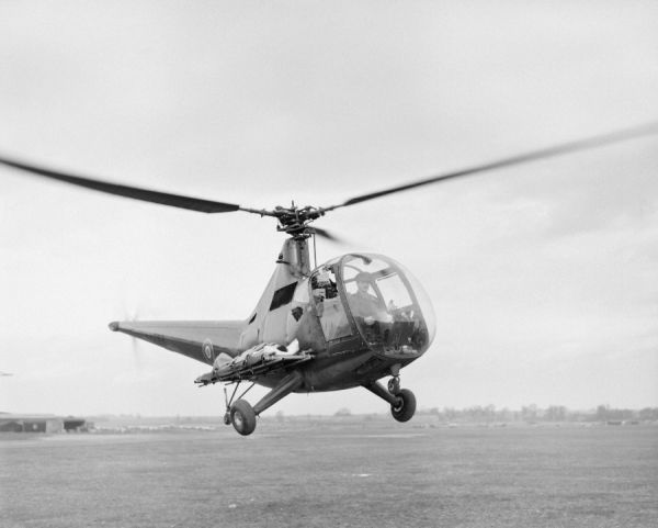Sikorsky Hoverfly II (KN844) with stretchers