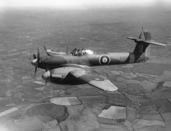 Westland Whirlwind I (P7048) in flight, 20 April 1944