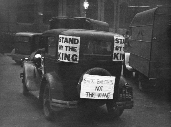 Sloganed car in support of King Edward VIII during the Abdication crisis of December 1936