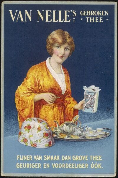 A lady serves Van Nelle's Gebroken Thee because broken tea has a finer taste than coarse tea, also it's more fragrant Date: early 20th century
