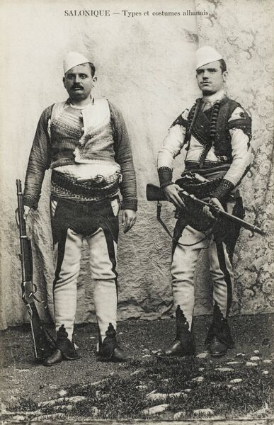 Albania - Two Albanian soldiers in traditional costume in Salonica